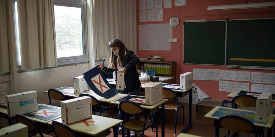 Inicia regreso a clases en Francia tras dos meses de confinamiento