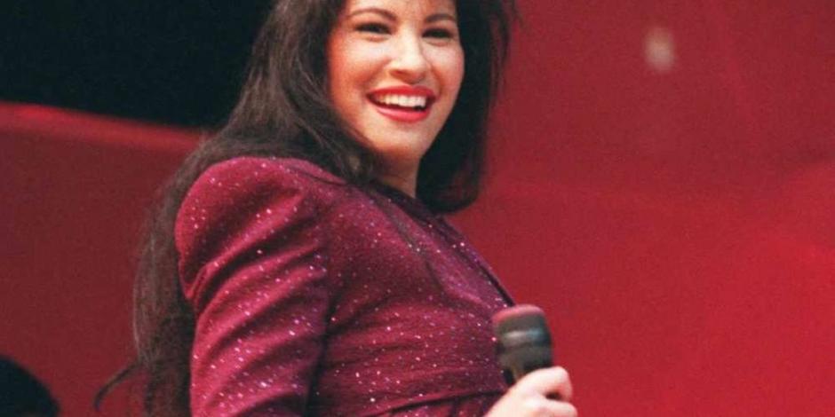 Develan placa de Selena Quintanilla en rodeo de Houston
