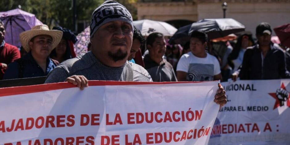 Recibe AMLO a integrantes de la CNTE, abordarán situación de El Mexe