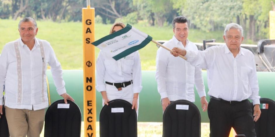 Impulsa gasoducto Cuxtal desarrollo en el sureste del país, afirma AMLO