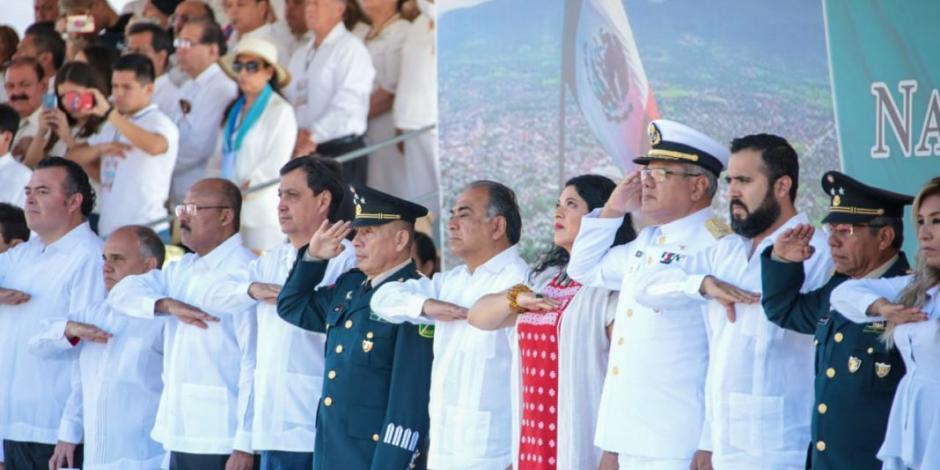 En Iguala, realizan ceremonia por el 199 Aniversario de la Bandera Nacional