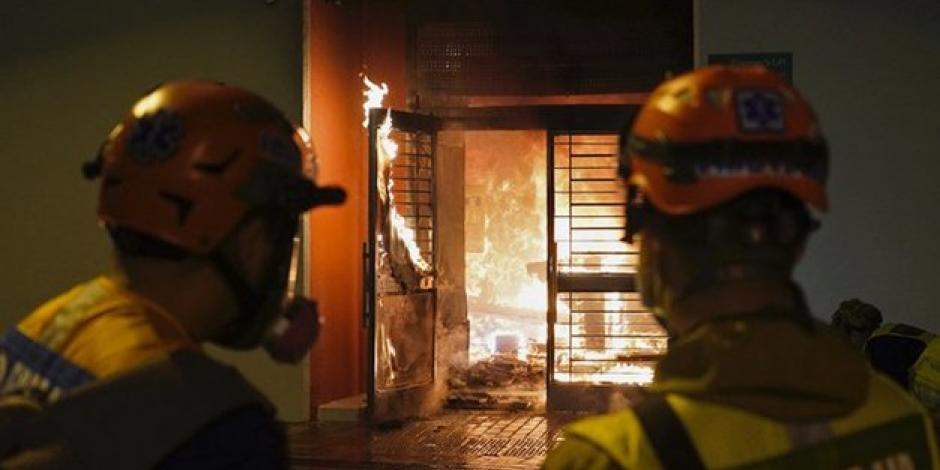 Hong-Kong-protesters-torched-a-residential-building-that-was-set-to-be-used-as-a-quarantin