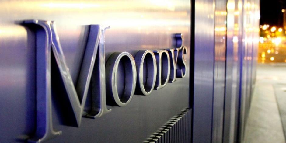 Moody's baja nota de 8 bancos mexicanos y del IPAB