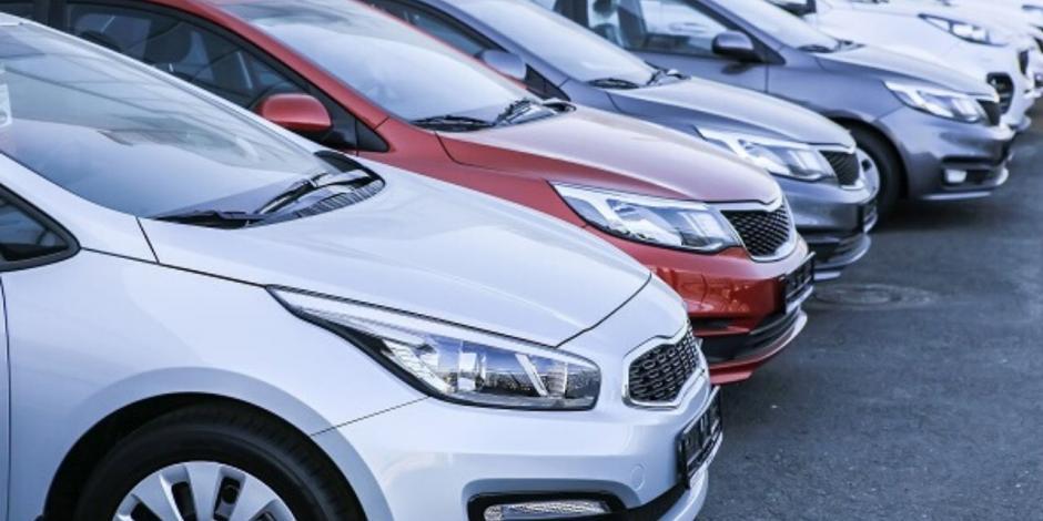 Venta de autos nuevos se hunde 64.5% en abril