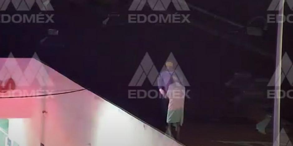 Paciente con COVID-19 intenta fugarse de hospital en Ecatepec: VIDEO