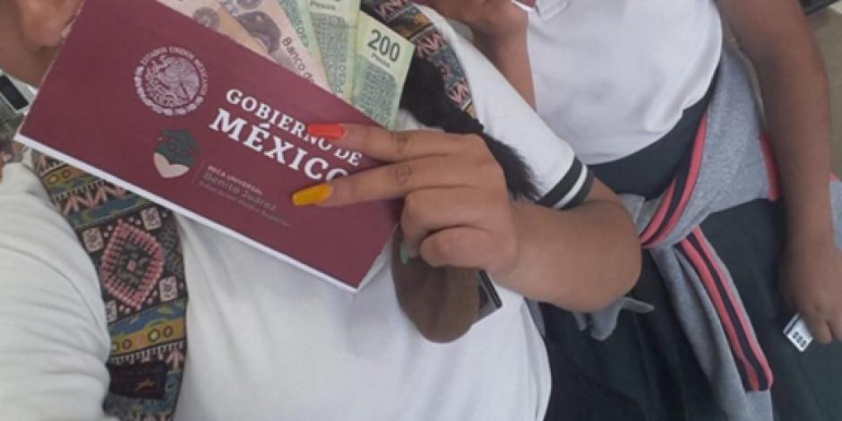 Advierten de robo de datos en página apócrifa de becas Benito Juárez