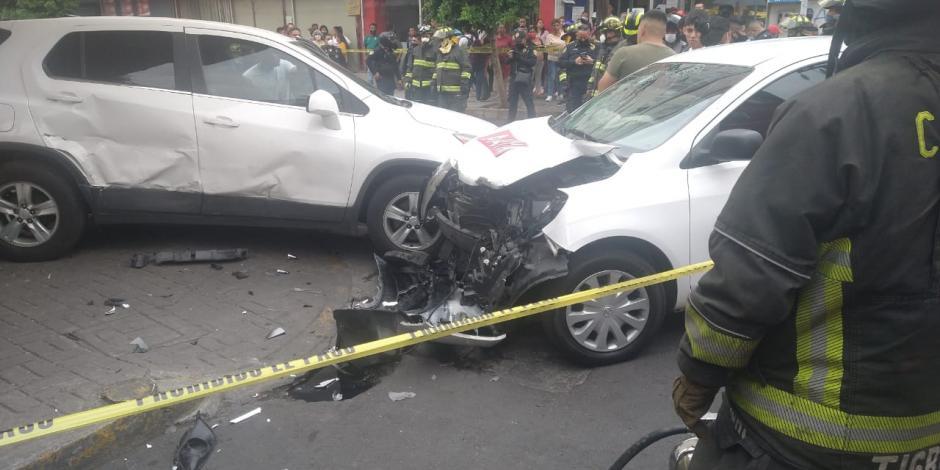 Choque entre taxi y auto deja un peatón muerto en el Centro Histórico-CDMX
