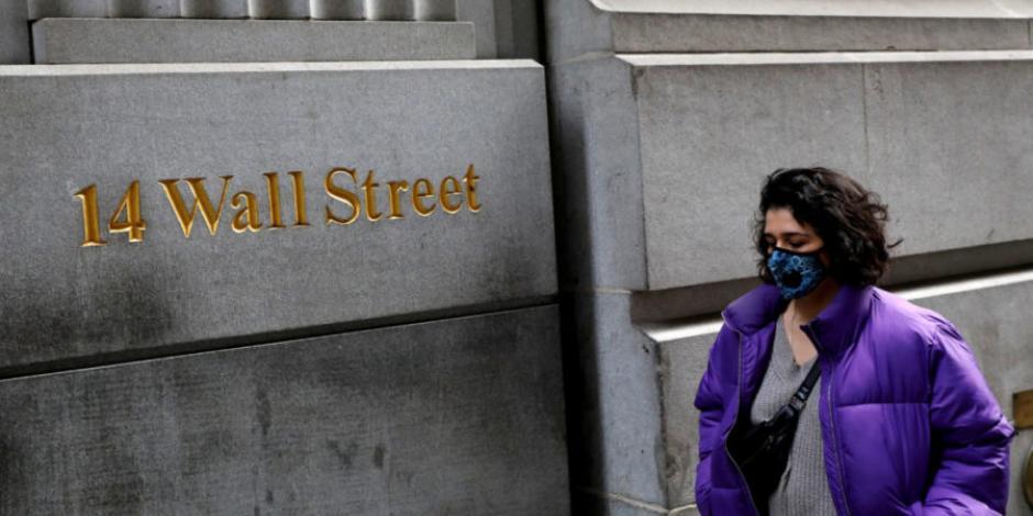 Wall Street baja ante tensiones EU-China y datos de consumo