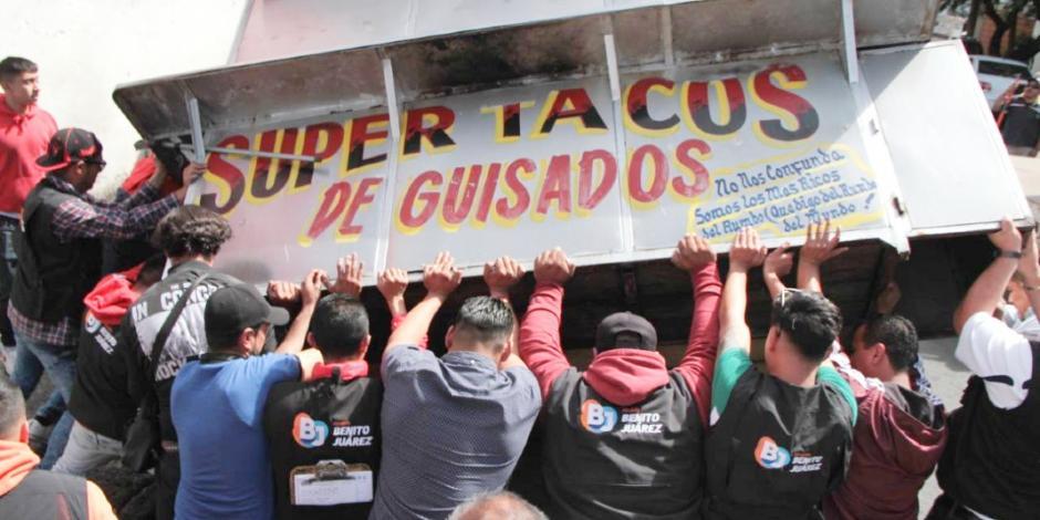 Alcaldía Benito Juárez retira a ambulantes que invadían espacios públicos