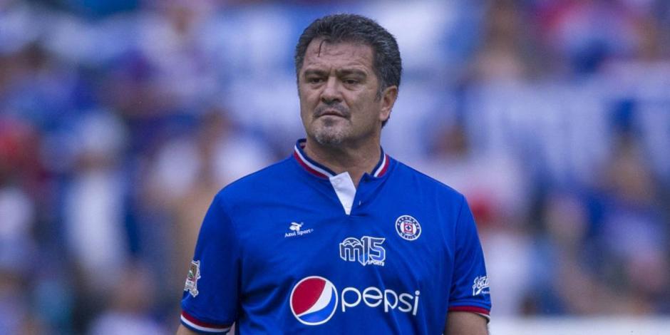 Carlos Hermosillo le pone apodo a un jugador del Cruz Azul