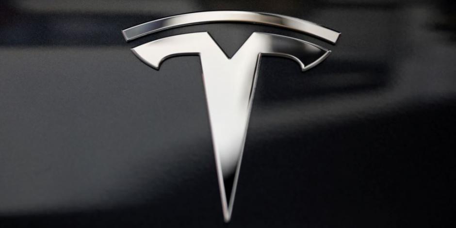 Planea Tesla vender acciones para recaudar 2 mil millones de dólares