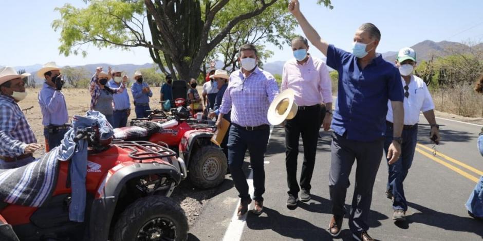 Inaugura Quirino Ordaz carretera Soyatita-San José del Llano en Sinaloa