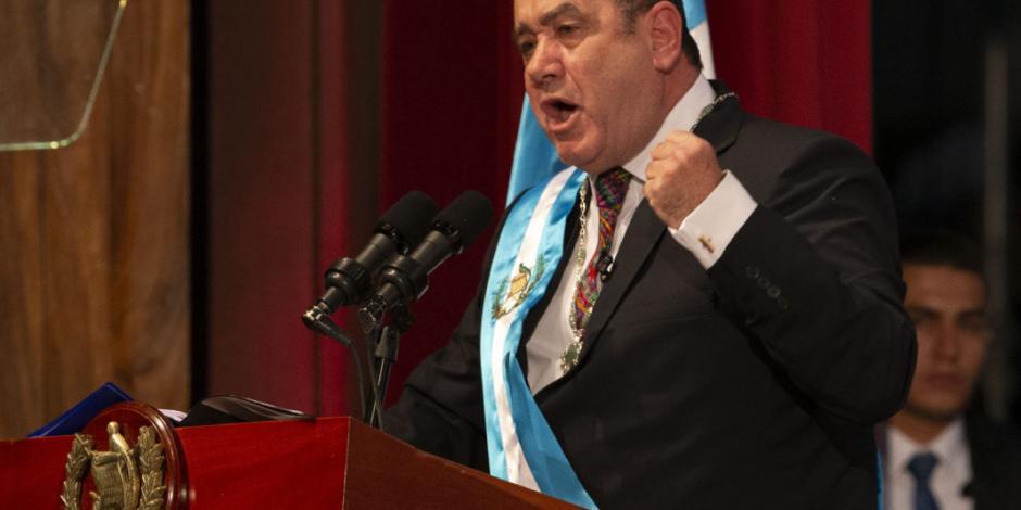 Ya con nuevo presidente, Guatemala rompe relaciones con Venezuela