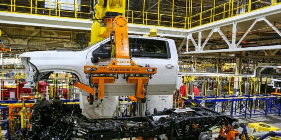 EU da luz verde a empresas automotrices para abrir a partir del 11 de mayo
