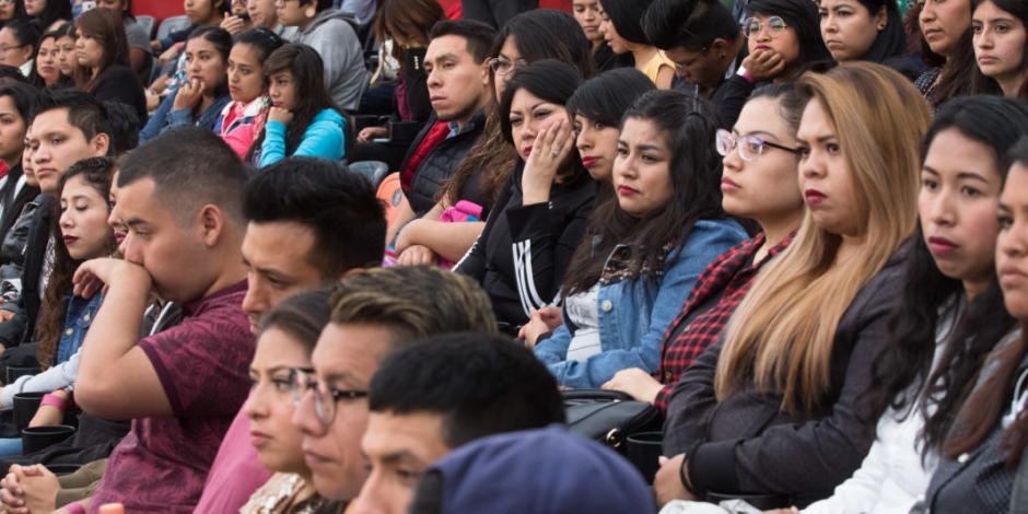 Aumenta beca de Jóvenes Construyendo el Futuro; esto ganarán ahora