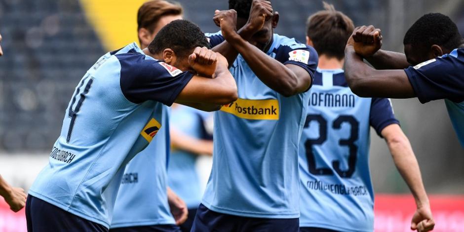 El Gladbach derrota al Frankfurt y se afianza en el Top 3 de la Bundesliga (VIDEO)