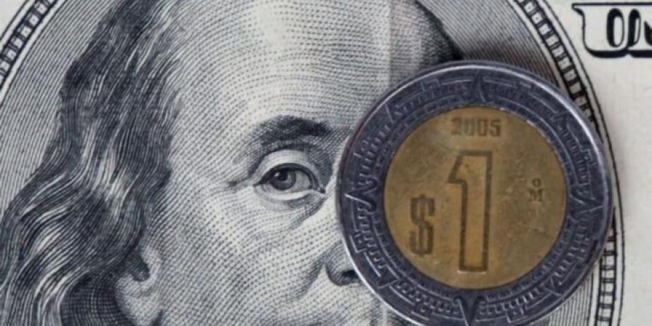 Peso tiene su peor trimestre desde 1995; cierra en $23.79 por dólar