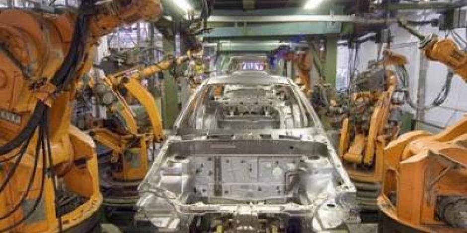 Industria automotriz se compromete a agilizar cadena productiva