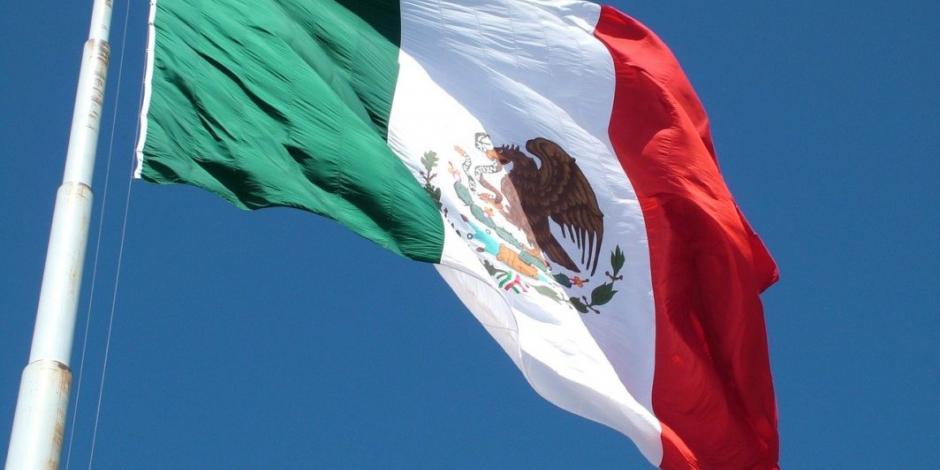 El significado de los colores de la bandera de México en la 4T, según el SAT