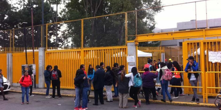 Tras 48 días de paro, alumnos de Prepa 1 de UNAM reanudan clases