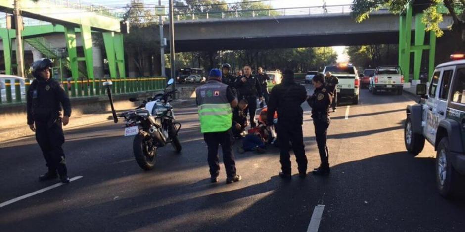 ¡Otra vez en Periférico! Mujer se arroja de puente a carriles centrales