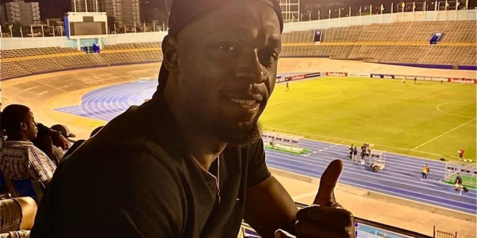 Usain Bolt apoya a Cruz Azul desde el estadio, en partido de Concacaf