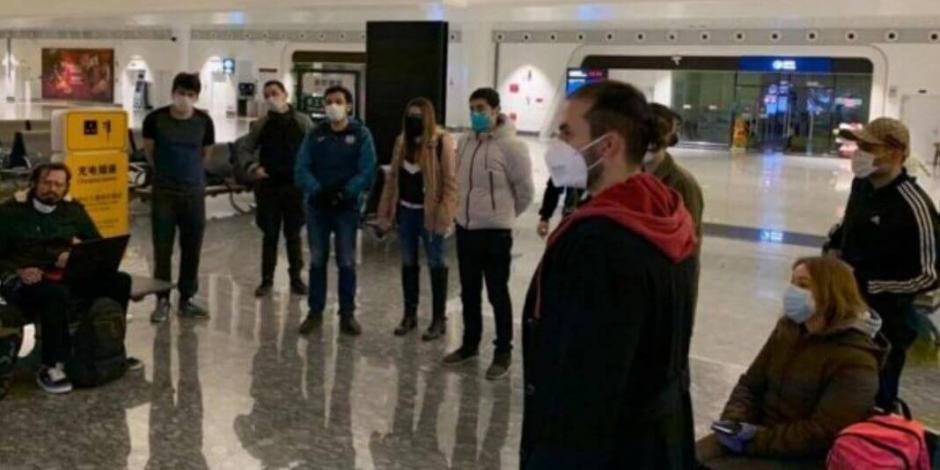 Mexicanos procedentes de Wuhan regresan tras paso por Bogotá