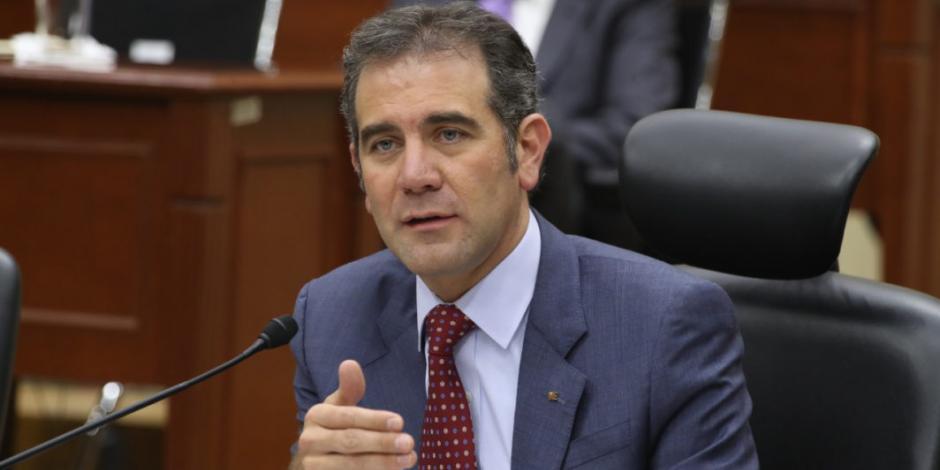 El INE impugna decreto presidencial que reduce tiempos oficiales