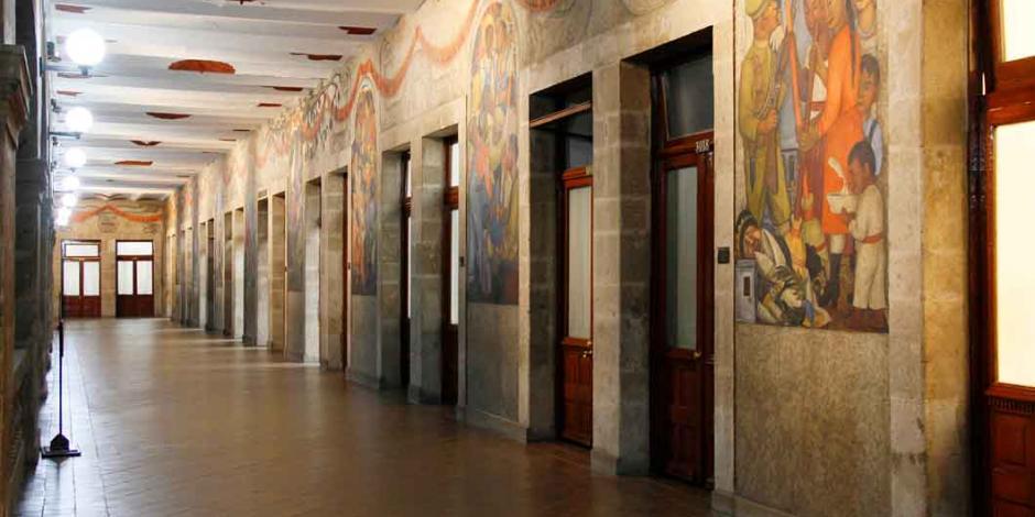 AMLO proyecta edificio de la SEP en Museo del Muralismo