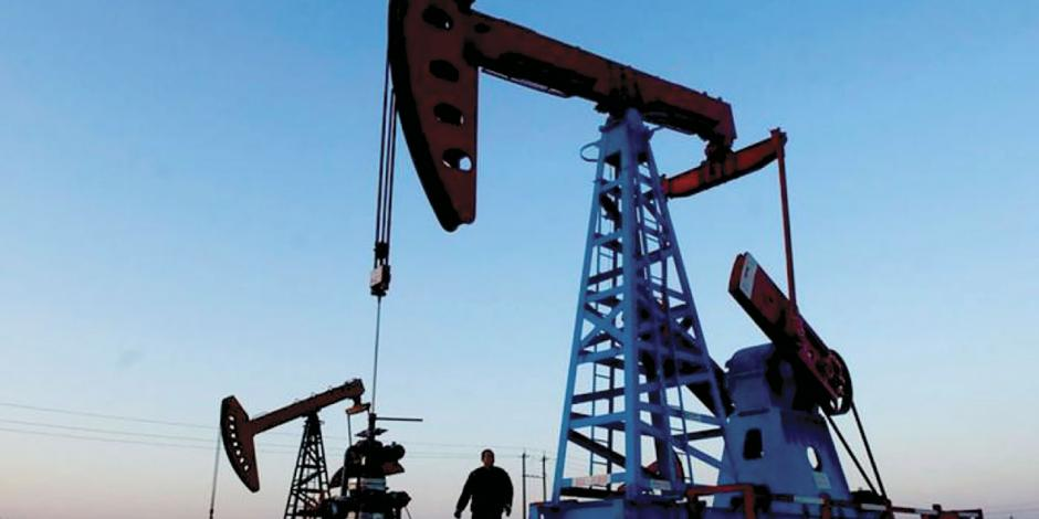 Aumentan precios del crudo por ataques a bases militares en Irak