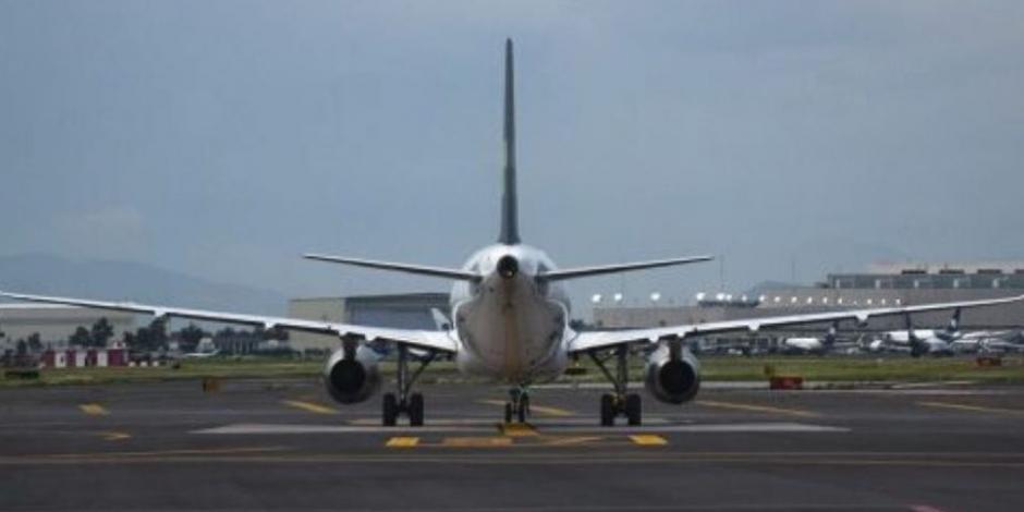 Desalojan avión de Delta Airlines en AICM por desperfecto