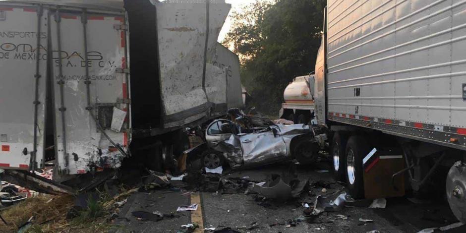 Carambola en carretera de Veracruz deja 2 muertos (IMÁGENES FUERTES)
