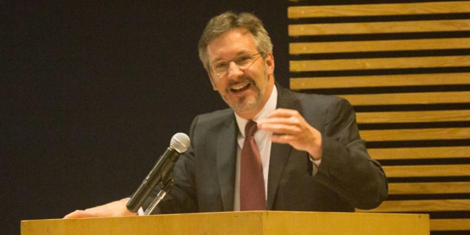 """Oposición busca anular a Ackerman; """"acostúmbrense a la democracia"""", revira"""
