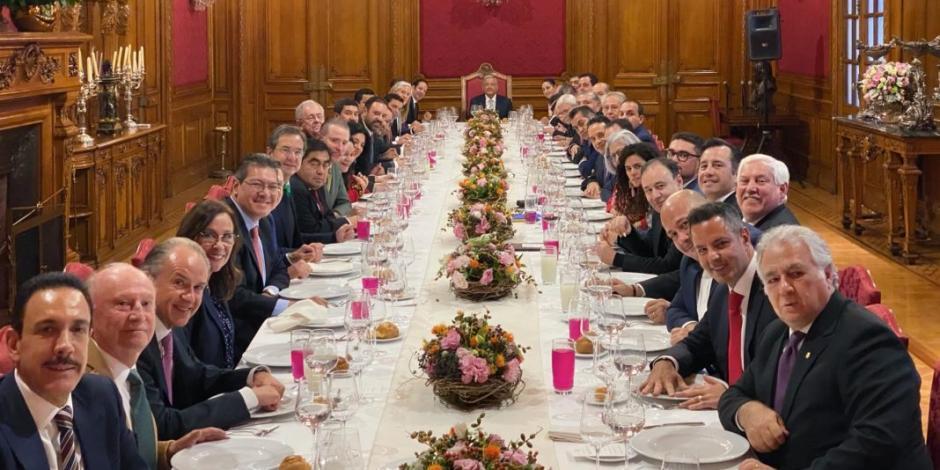 AMLO y gobernadores dejan de lado diferencias y comen con cordialidad