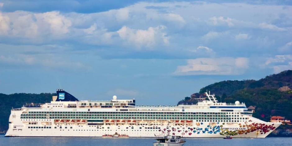 Arriba a Zihuatanejo el segundo crucero del año