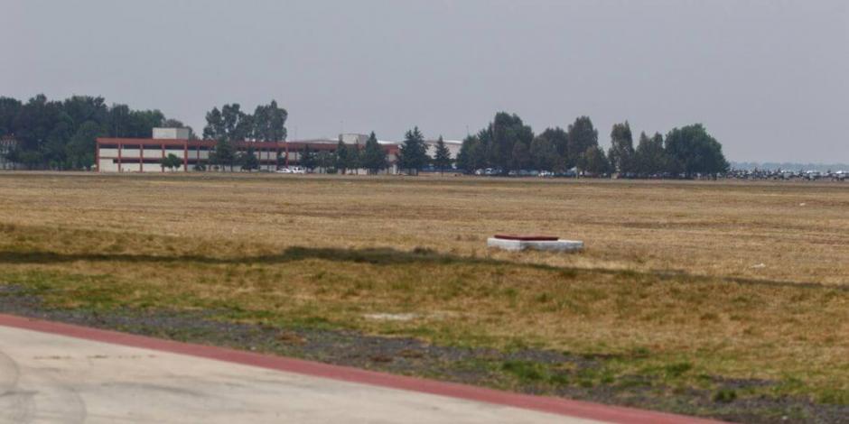 Construcción de aeropuerto en Santa Lucía no se detiene: AMLO