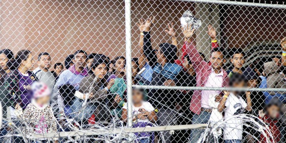 """Oficiales de EU """"obligan a los migrantes a beber del retrete"""""""