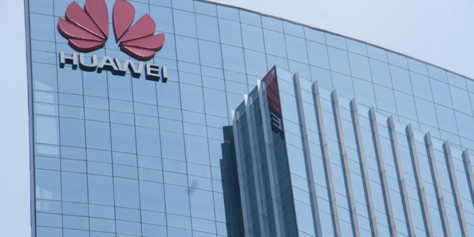 Sanciones de EU contra Huawei le impactarán 30 mil mdd