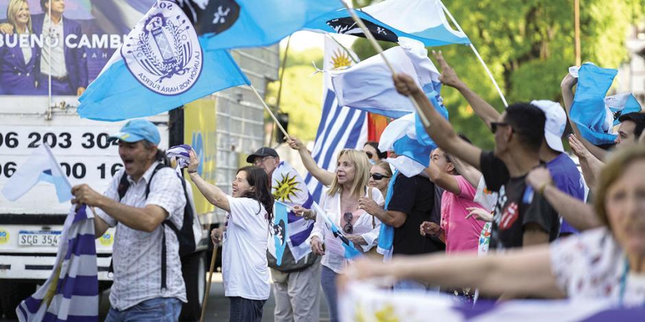 Uruguay pone fin a 15 años de la izquierda y se acerca a Guaidó