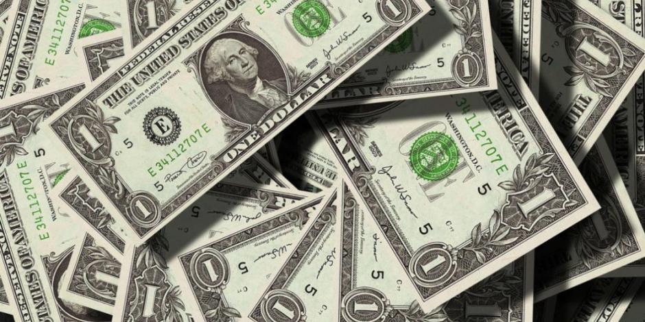 Precio del dólar se mantiene en 19 unidades