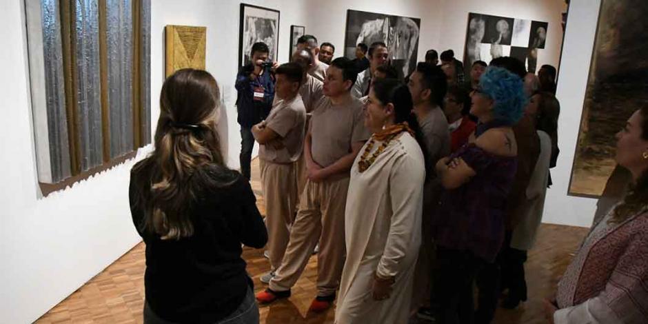 Por primera vez, internos del Reclusorio Norte visitan el Museo de Arte Moderno