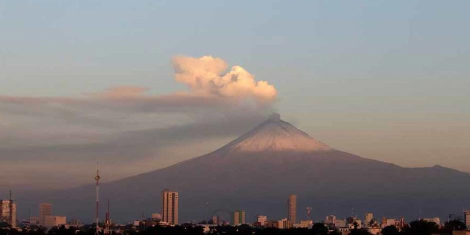 Reportan caída de ceniza del Popocatépetl en Xochimilco