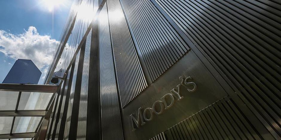 Moody's baja previsión del PIB a 1.2%; prevé más recortes al gasto público