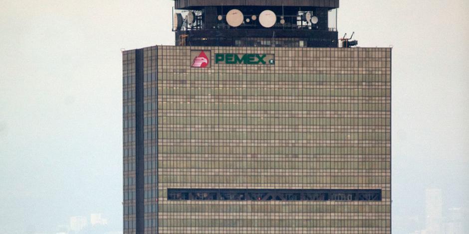 Aplaude AMLO renuncia de consejeros de Pemex; descarta afectación