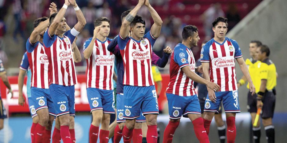 Chivas hila 3 triunfos de local tras dos años