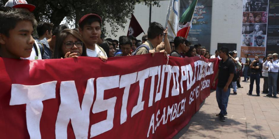 Politécnicos piden destitución de su director; buscan mayor autonomía