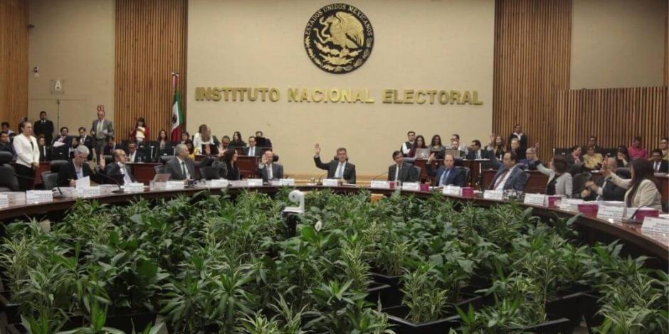 Acusa Junta Ejecutiva andanada contra autonomía de INE por plan de Morena