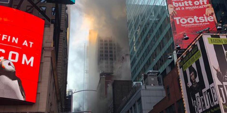 Incendio en rascacielos de Times Square deja tres heridos