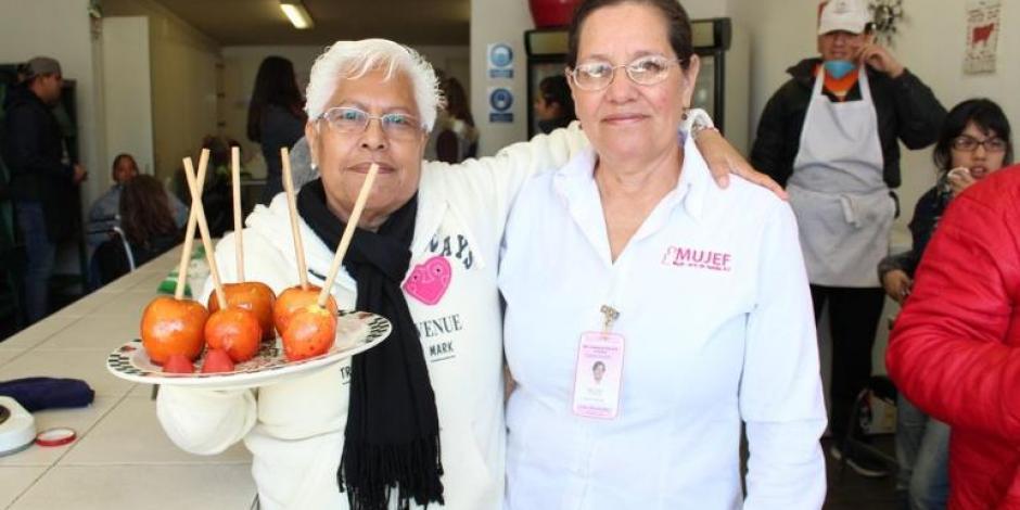 Imparten taller de dulces típicos a personas discapacitadas en Chihuahua