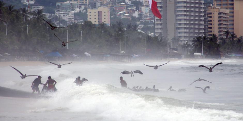 Activa Marina acciones preventivas en costas del Pacífico por tormenta Ivo